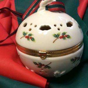 Partylite tea light or potpourri ball